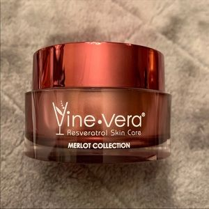 Vine Vera Moisture Day Cream NEW